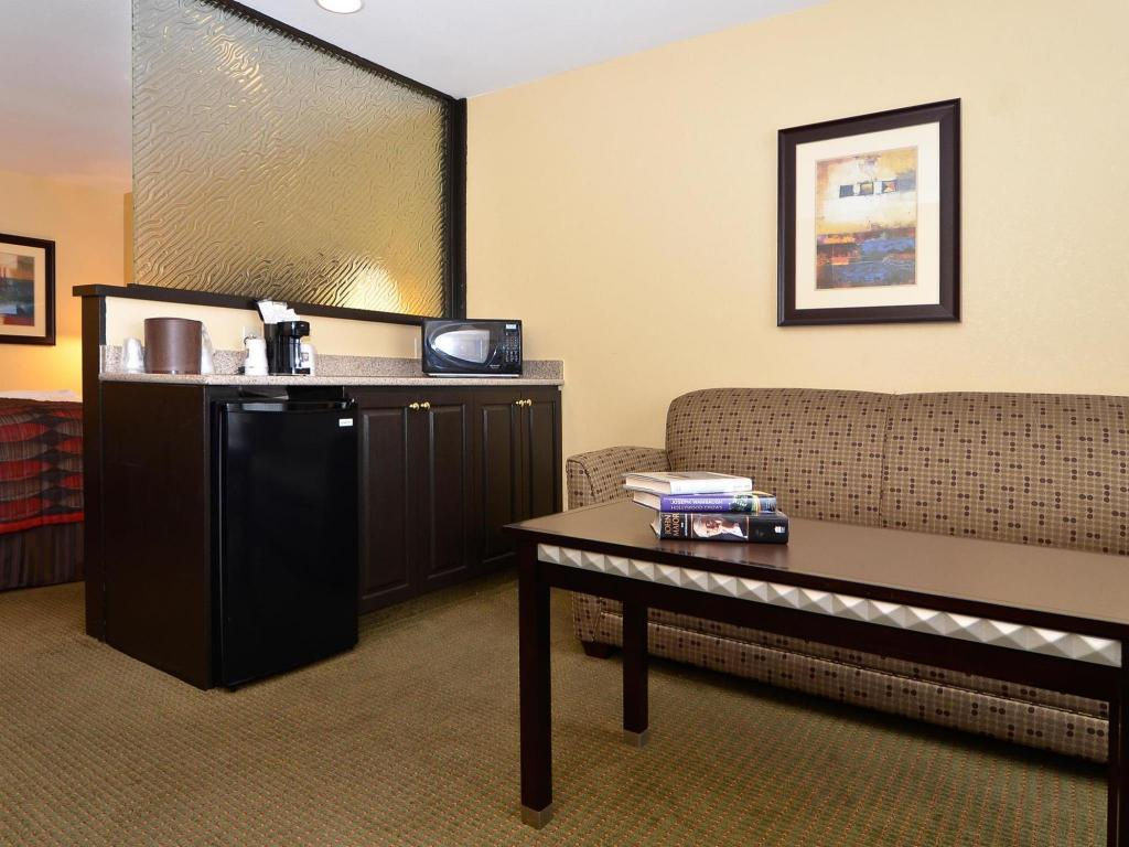 Interior view Best Western Plus Bessemer Hotel and Suites