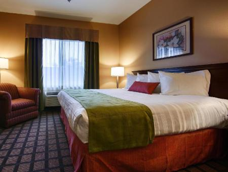 King Room - Non-Smoking Best Western Inn and Suites of Merrillville