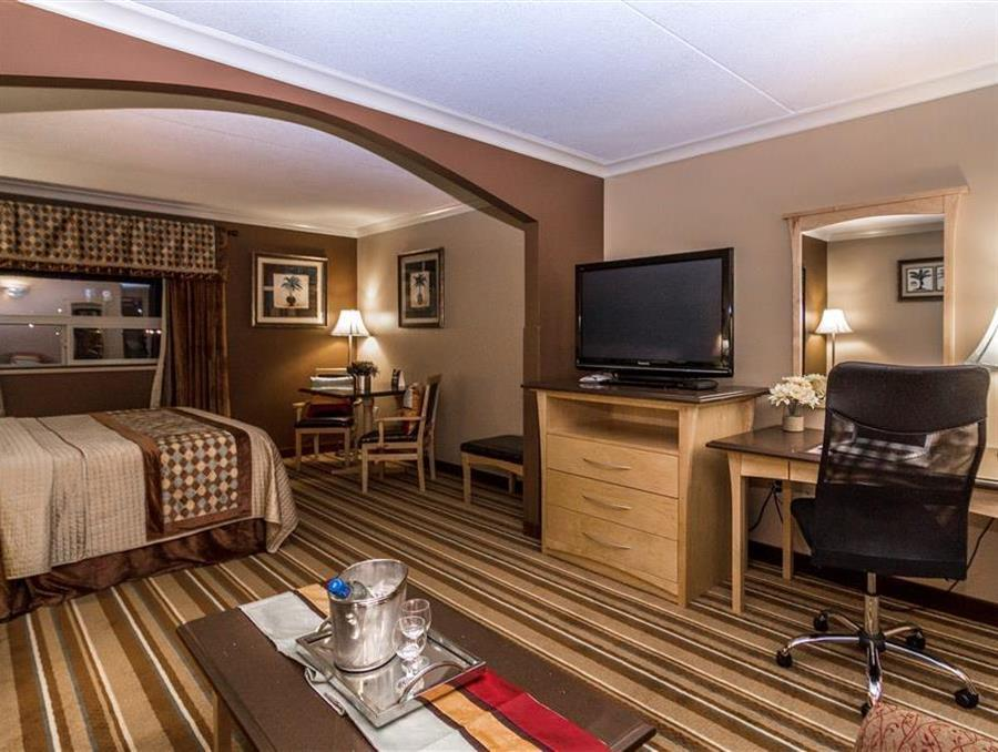 Mini Suite King with Massage Bed