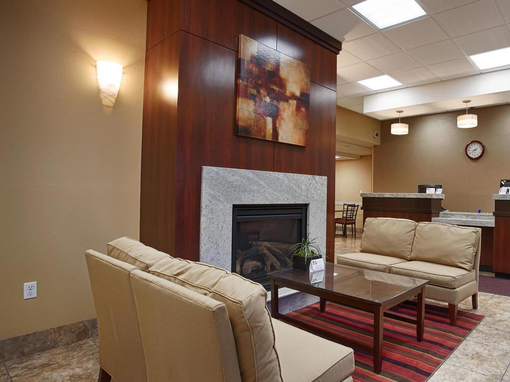 Лоби SureStay Hotel by Best Western Tehachapi