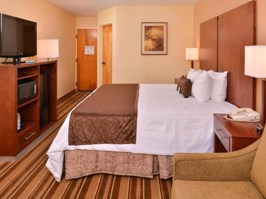 Alle 45 ansehen Best Western PLUS Richmond Airport Hotel