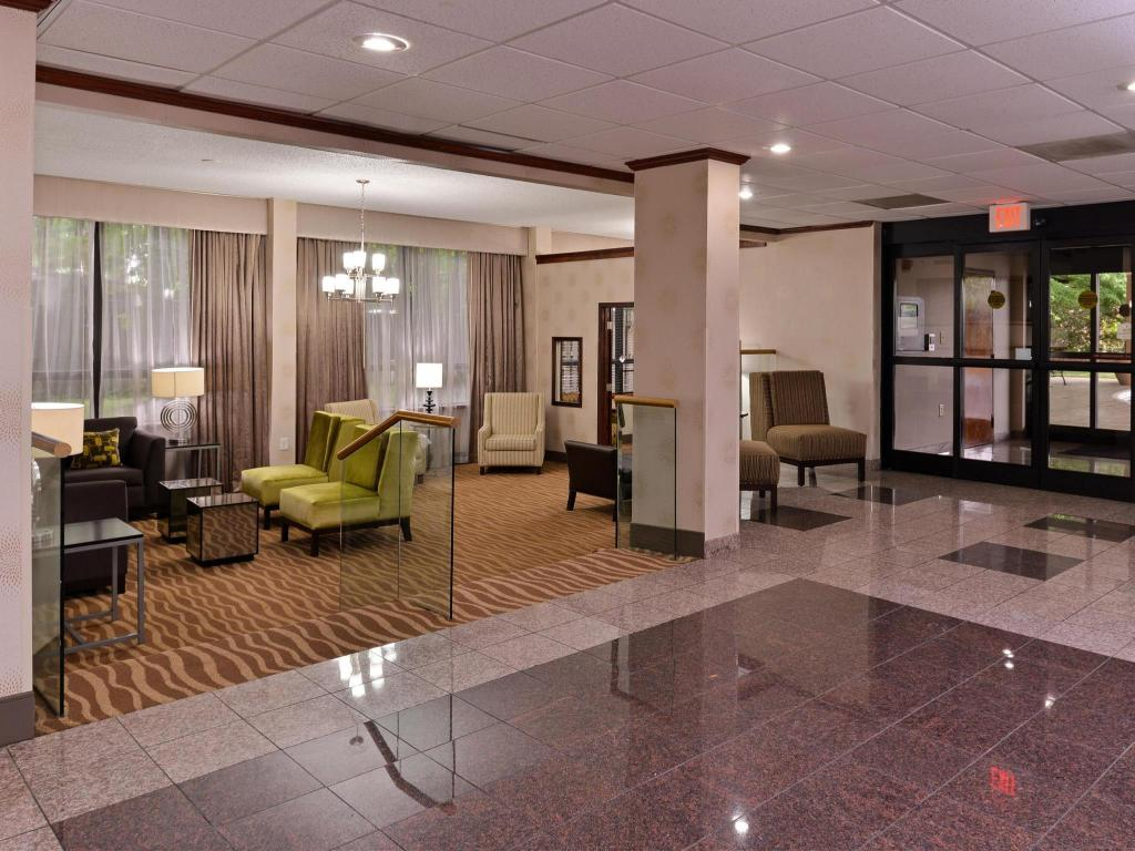 Empfangshalle Best Western PLUS Richmond Airport Hotel
