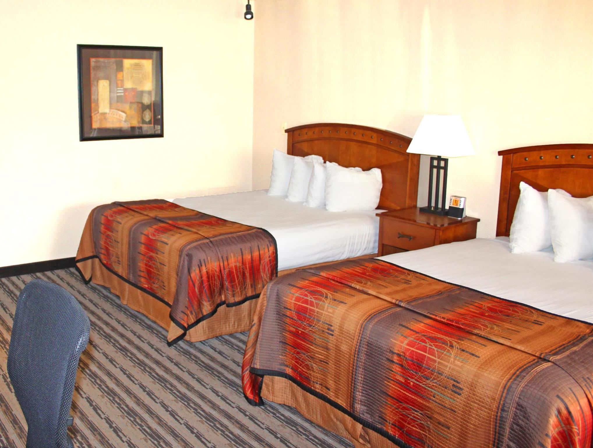 Suite-3 Rooms 5 Beds