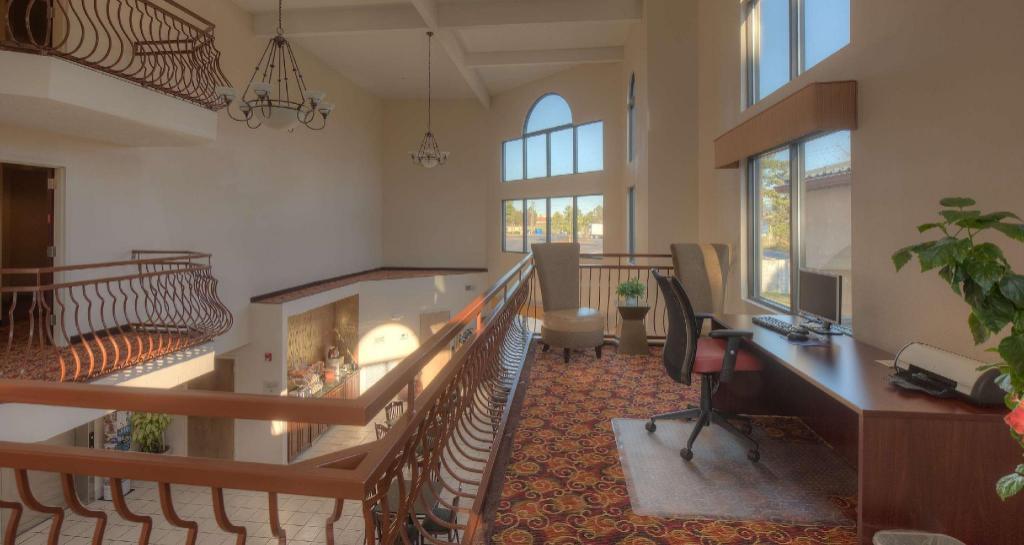 best western carowinds in fort mill sc room deals. Black Bedroom Furniture Sets. Home Design Ideas
