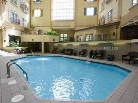 Swimming pool Hotel Chateau Bromont