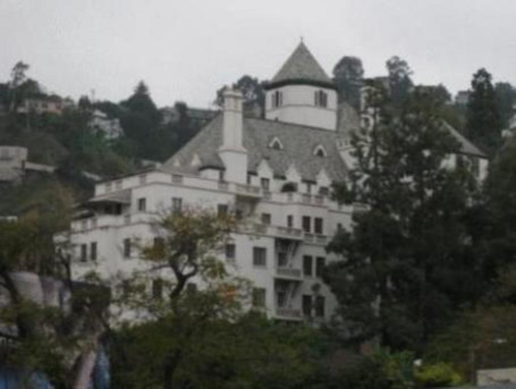Chateau Marmont in Los Angeles (CA) - Room Deals, Photos