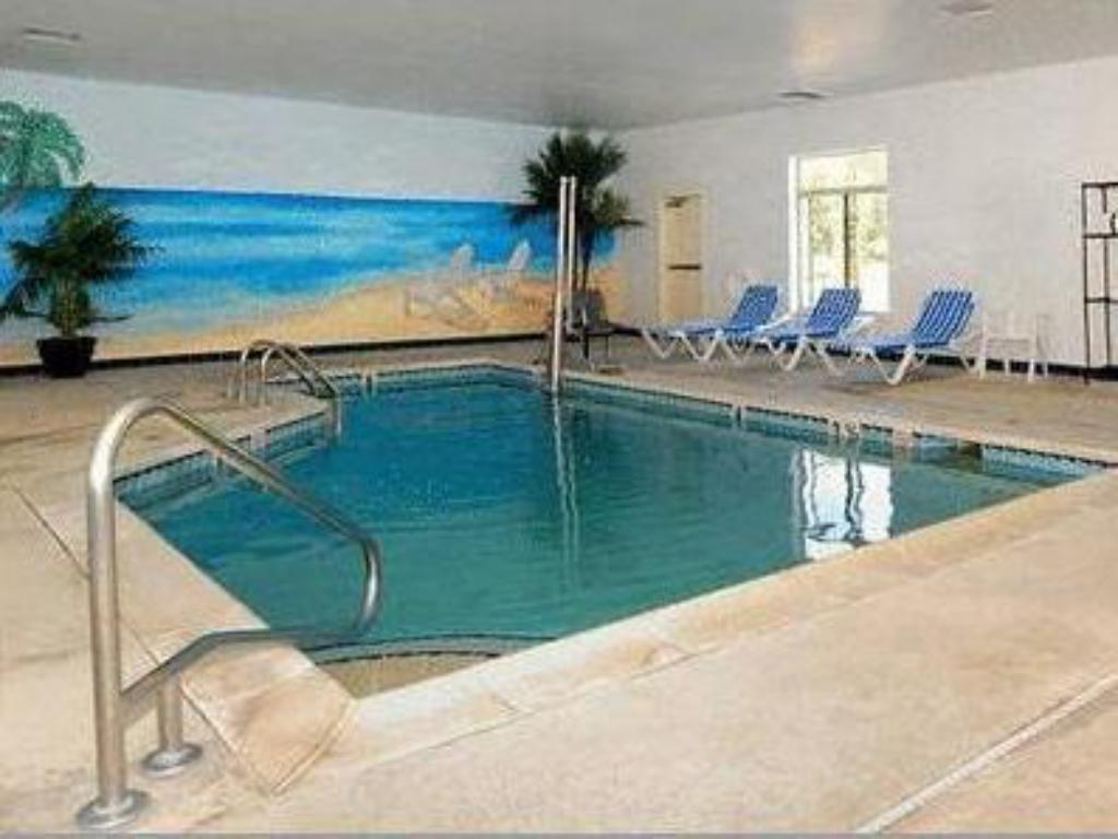 Swimming pool Comfort Inn Atlantic City/Absecon Area