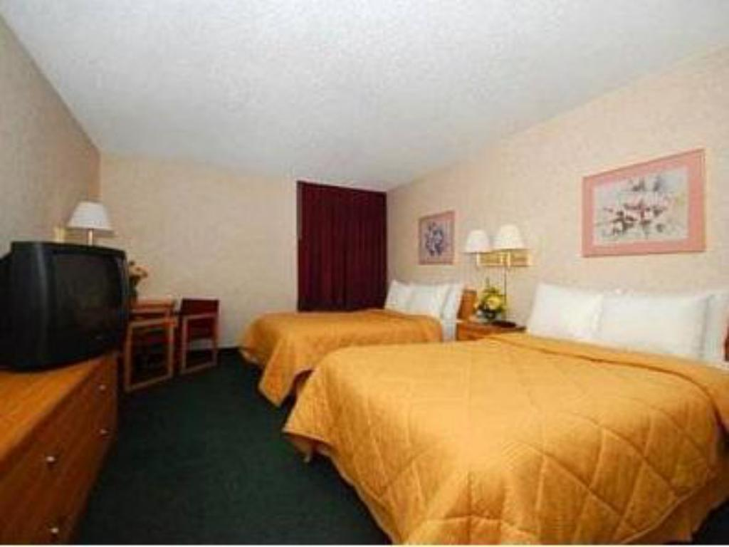 Double with 2 Double Beds Quality Inn Waynesburg