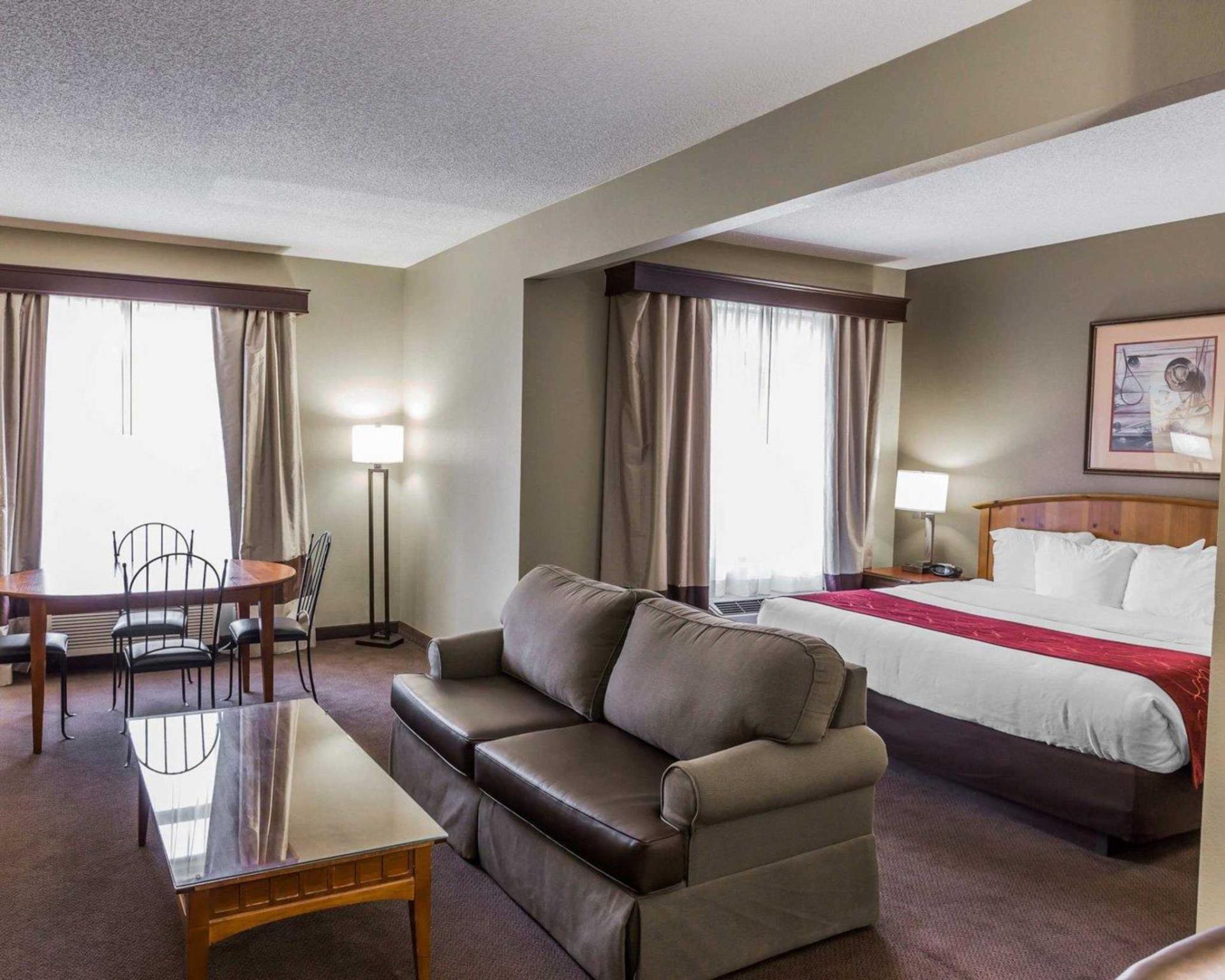 comfort suites boone in boone nc room deals photos. Black Bedroom Furniture Sets. Home Design Ideas