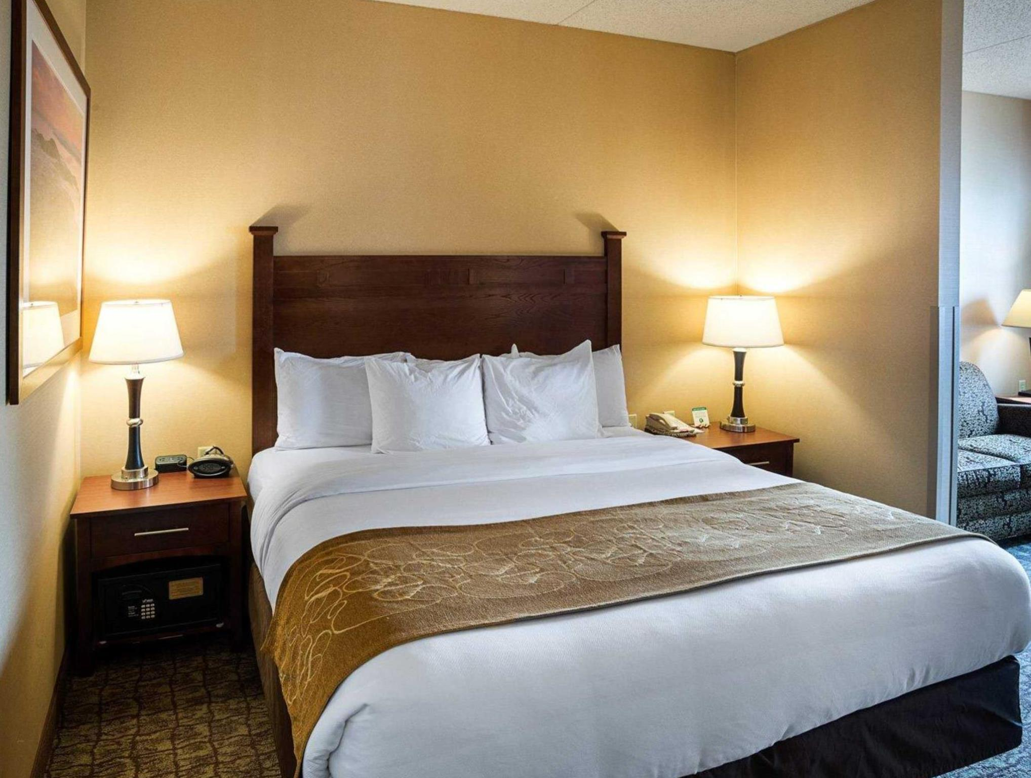 suite suites bloomington romantic extended stay bedroom mn hotels america towneplace clsc hor hot travel mall tub msptb minneapolis of