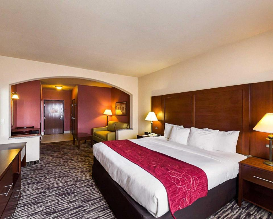 See all 29 photos Comfort Suites At Plaza Mall McAllen