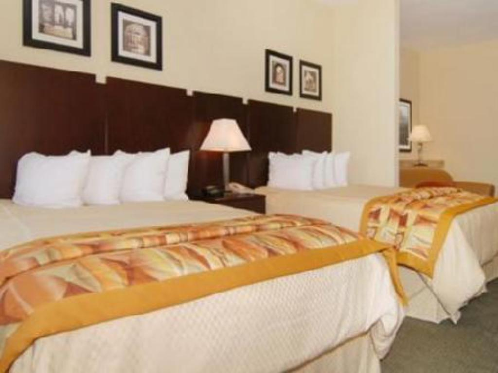 Queen Room with Two Queen Beds - Non-Smoking Comfort Suites