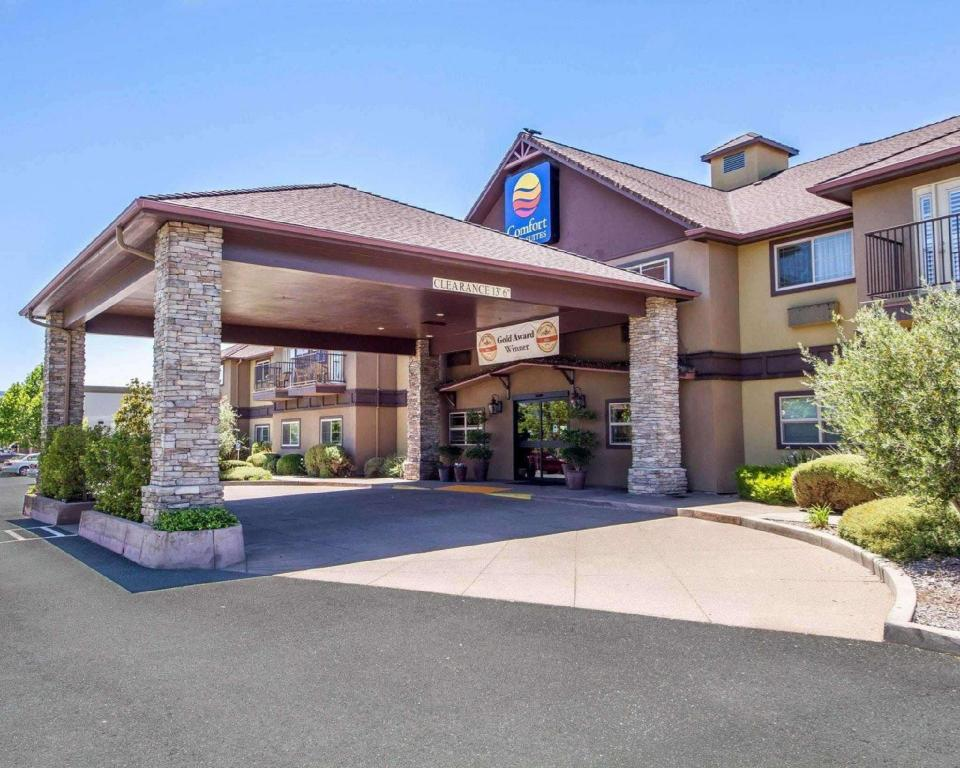 More about Comfort Inn and Suites Ukiah