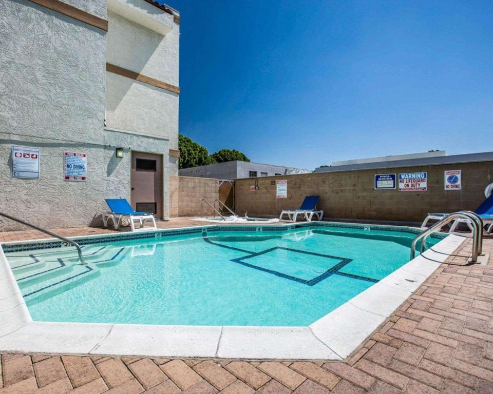 Comfort inn near pasadena civic auditorium in los angeles - Where is my nearest swimming pool ...