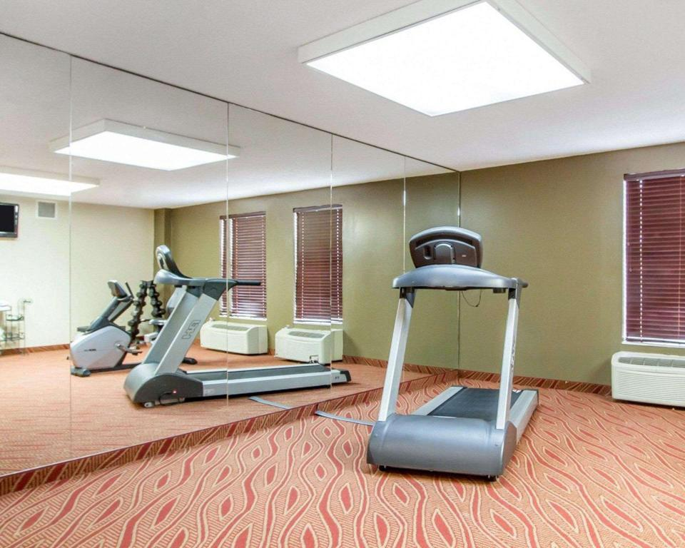 Fitness center Comfort Inn Poplar Bluff