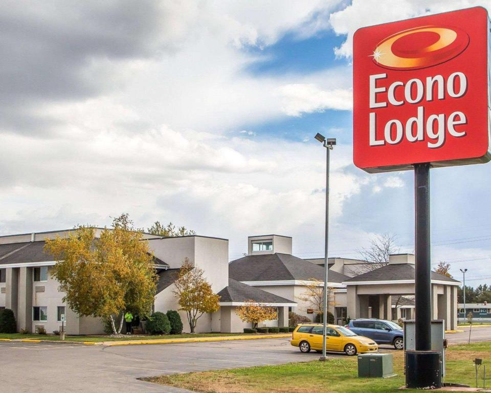 More about Econo Lodge Rothschild