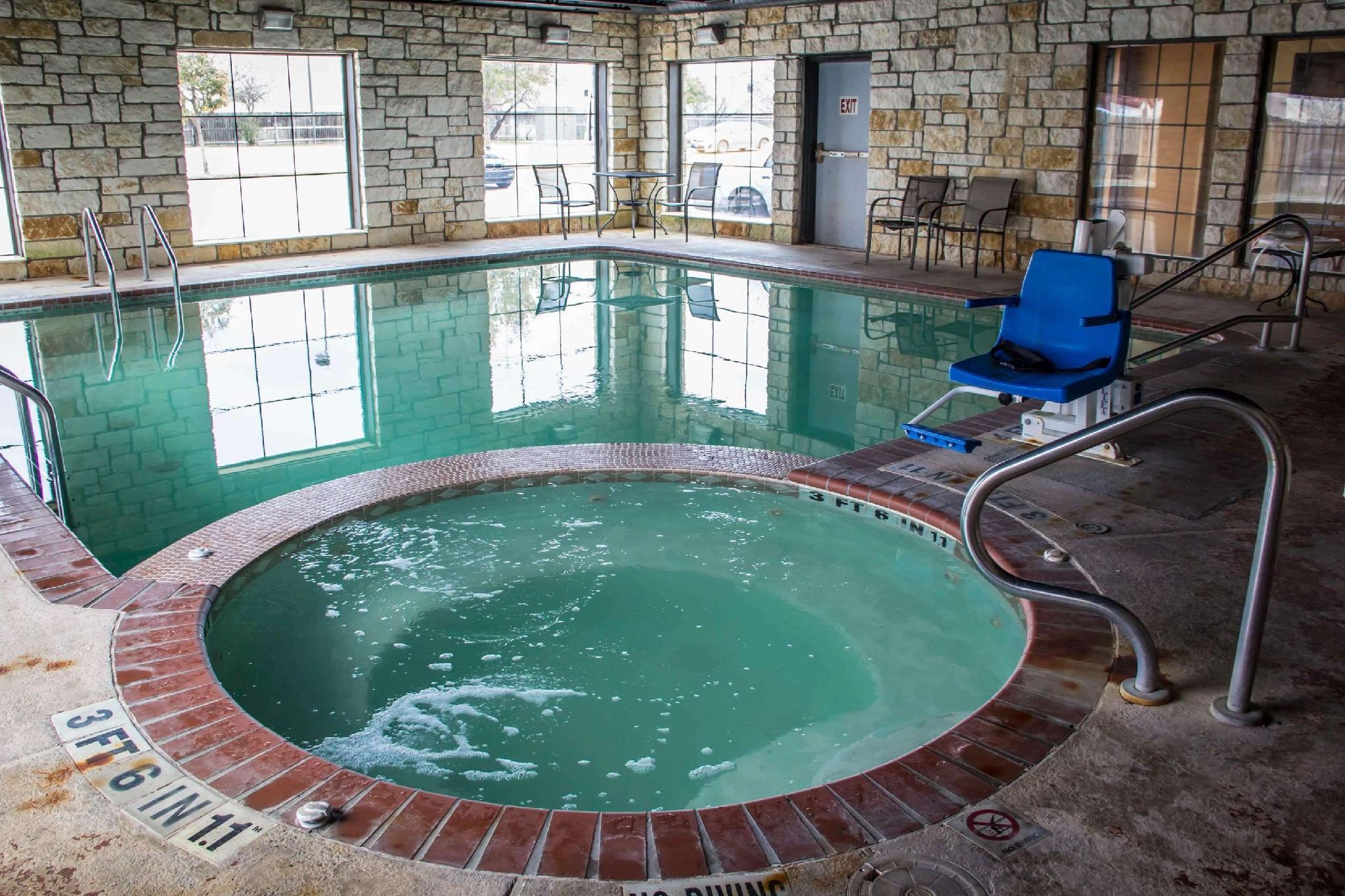 comfort suites near seaworld hotel in san antonio tx room deals rh agoda com