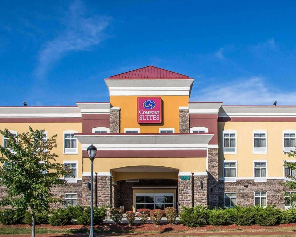 More about Comfort Suites Troy