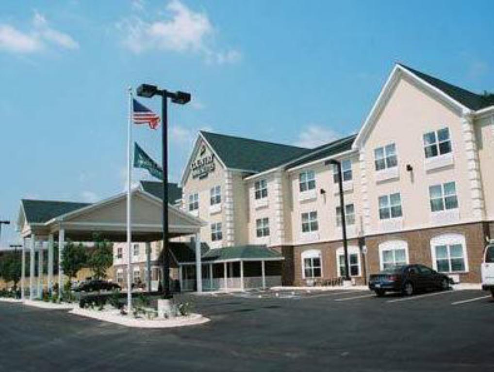 More about Country Inn & Suites by Radisson, Iron Mountain, MI
