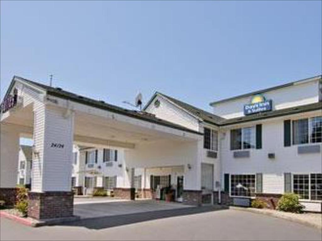 Exterior view Days Inn & Suites Gresham