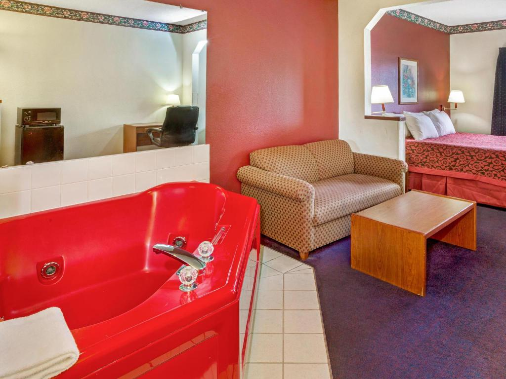Interior view Days Inn & Suites Gresham