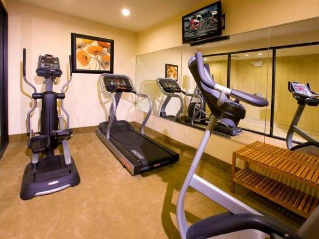 Fitness center Hotel Q New York