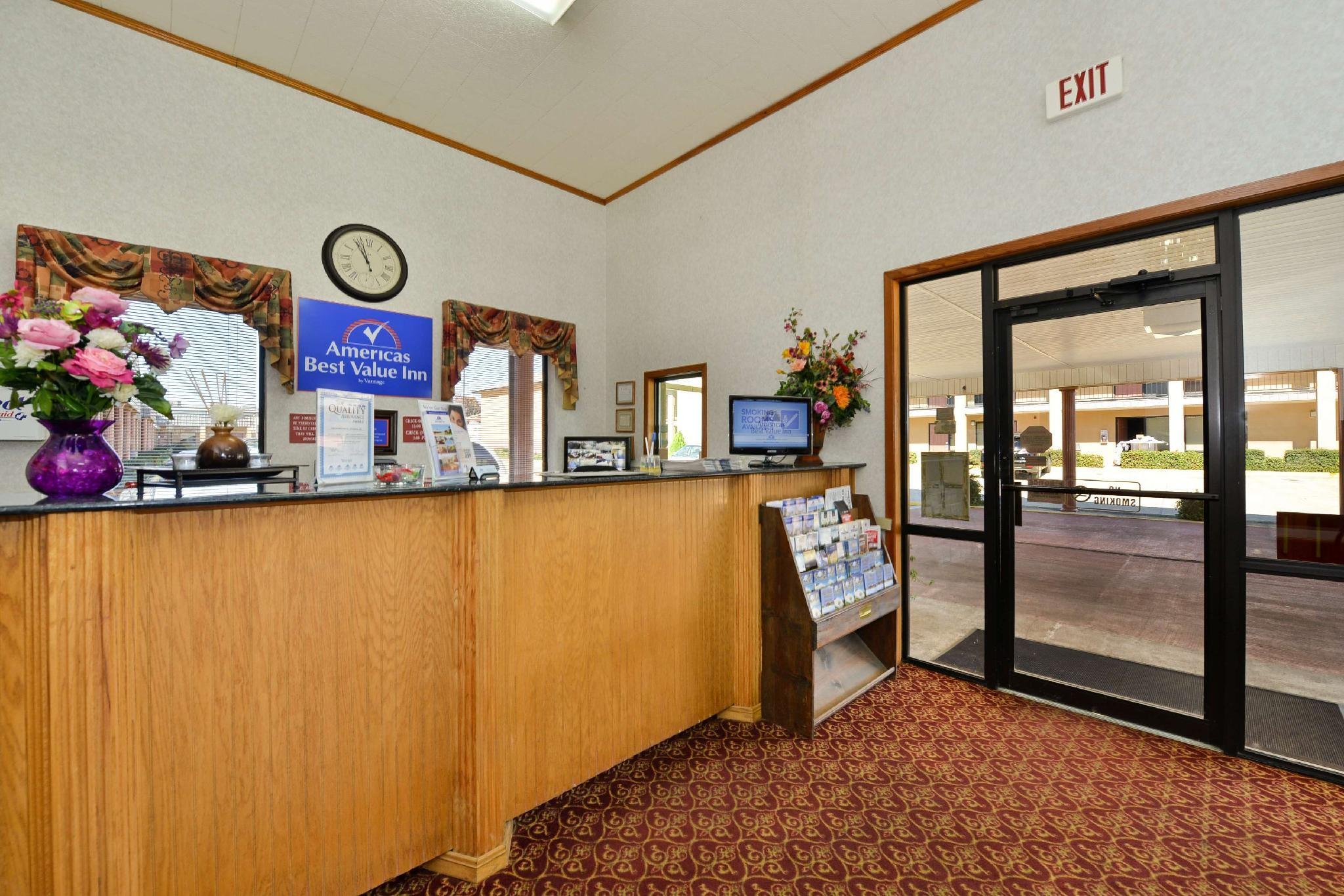 Best Price On Americas Best Value Inn   Brookhaven, MS In Brookhaven ...