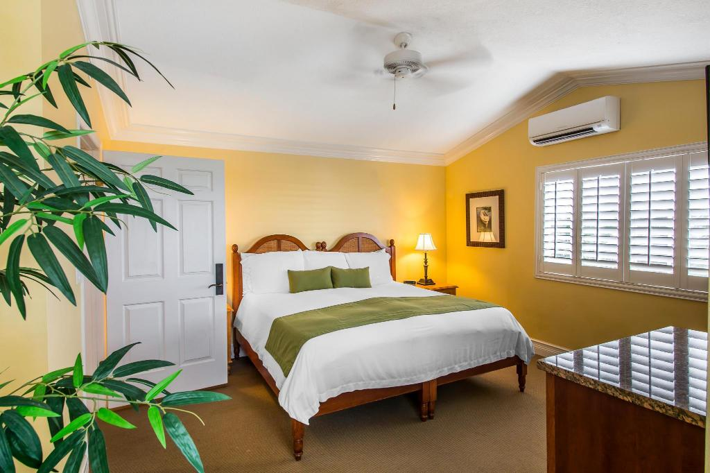 Superior King Room MB at Key Largo
