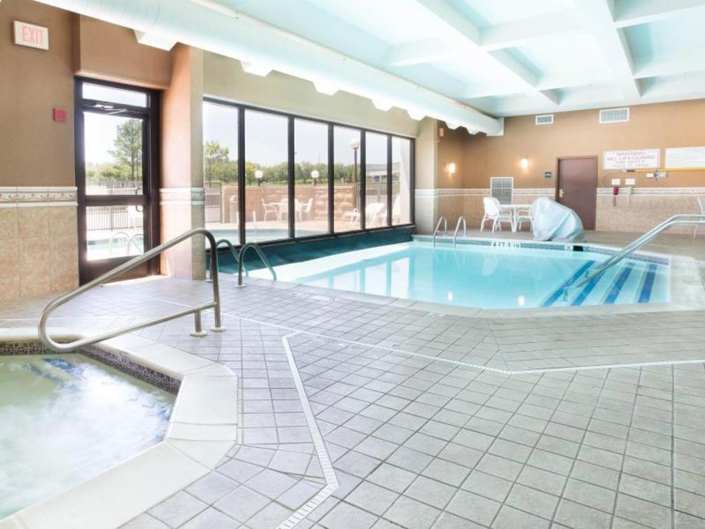 Drury inn suites birmingham lakeshore drive in - Hotels with swimming pools in birmingham ...