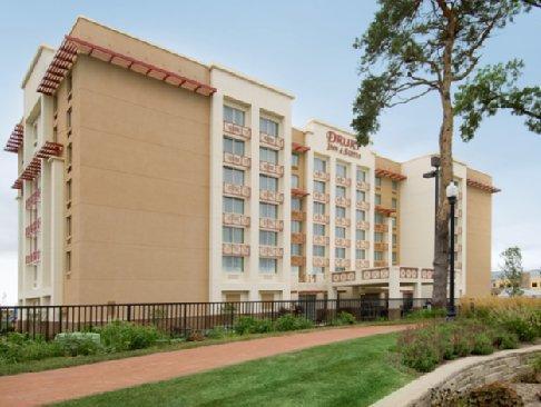 Nice Drury Inn And Suites West Des Moines