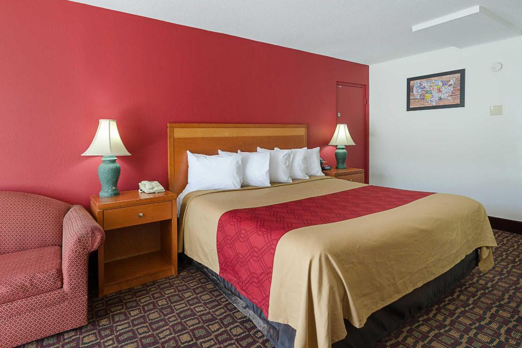 See all 34 photos Econo Lodge