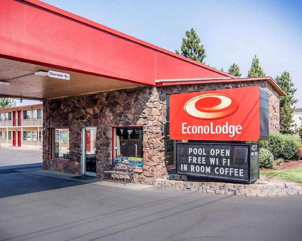 More about Econo Lodge