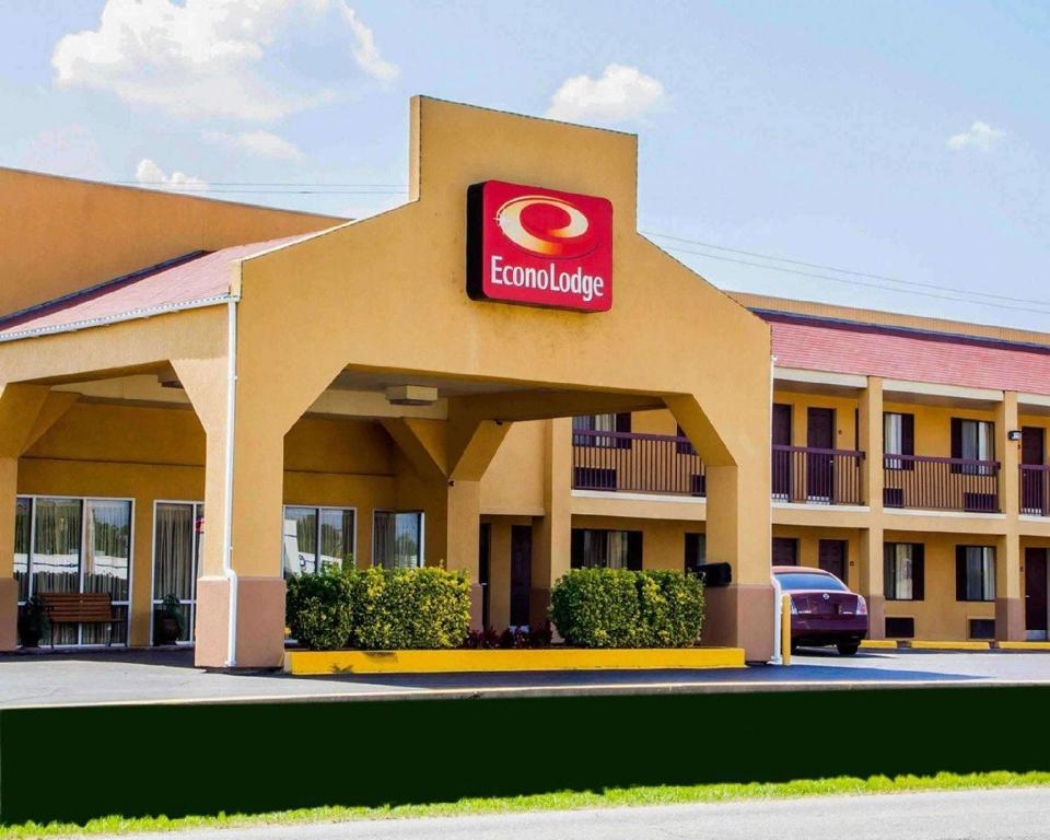 More about Econo Lodge McAlester
