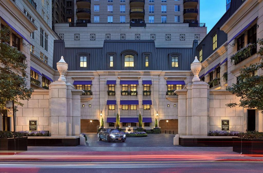 Hotels In Chicago >> Waldorf Astoria Chicago Hotel River North Chicago Il