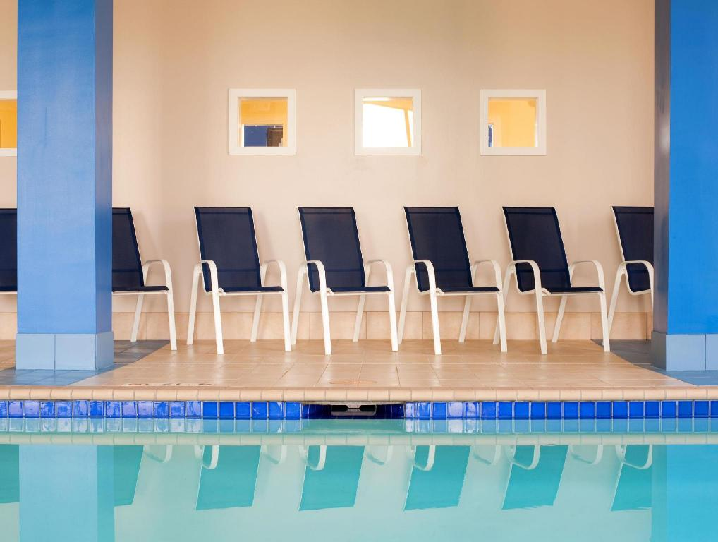 Swimming pool Four Points by Sheraton Oklahoma City Quail Springs