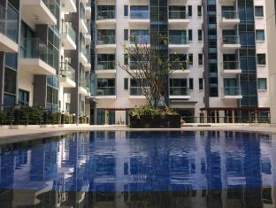 Cozy Condo Unit @ Palmtree Two villas