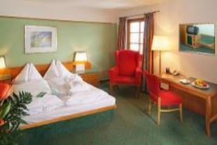 Dobbeltrom/Tomannsrom med parkeringsplass (Double or Twin Room with parking space)