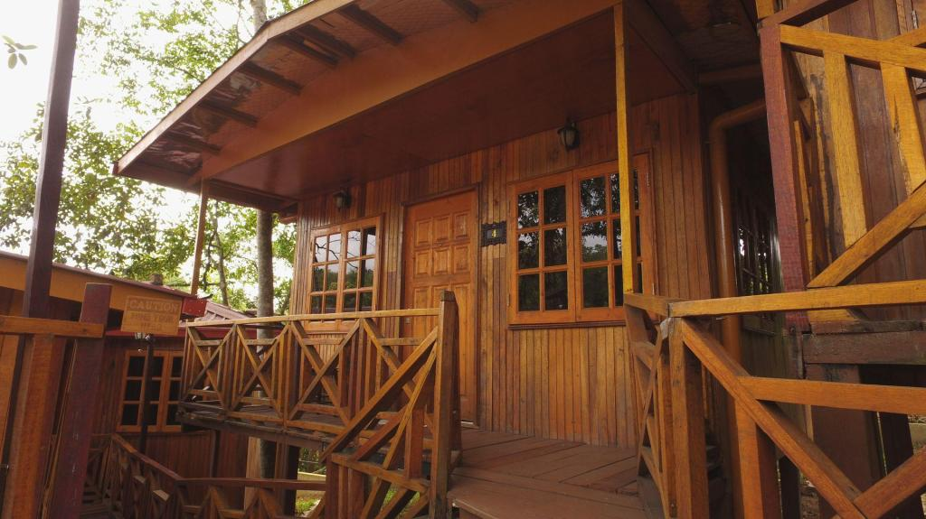 Borneo Tree House