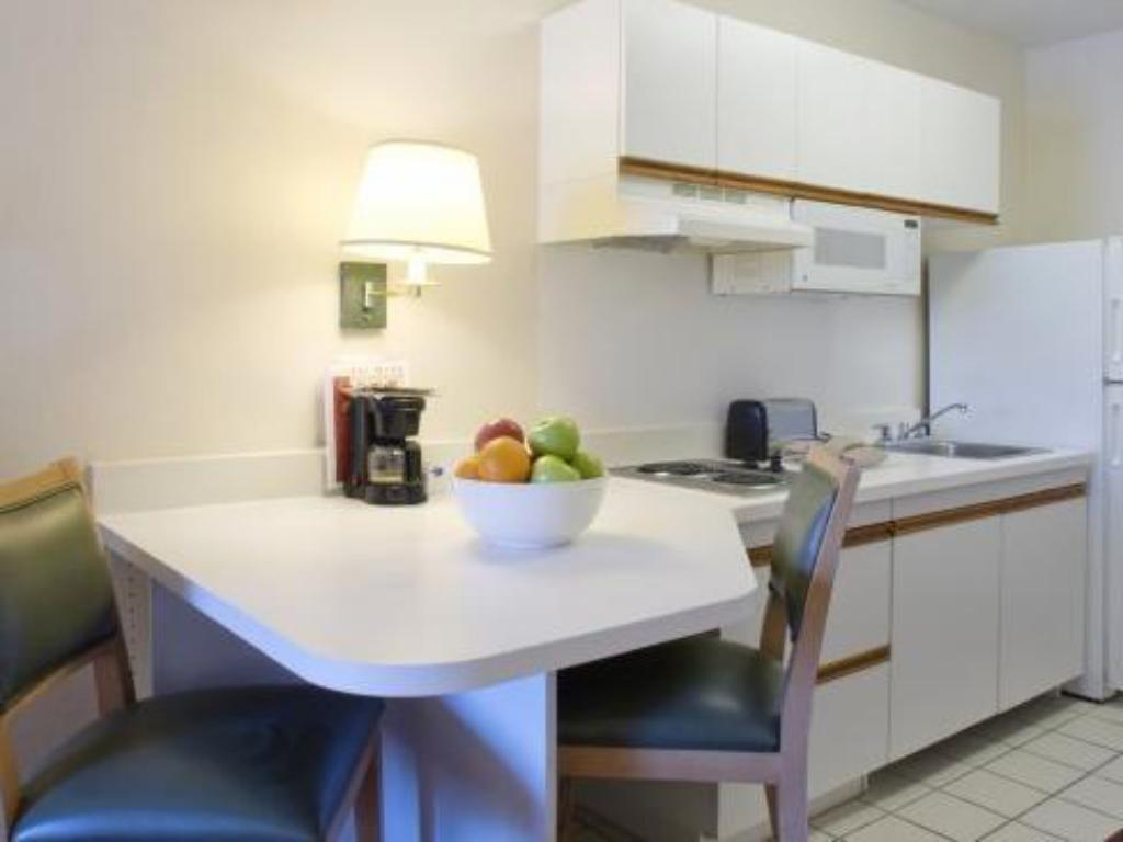 Vista interior Extended Stay America - Los Angeles - Monrovia