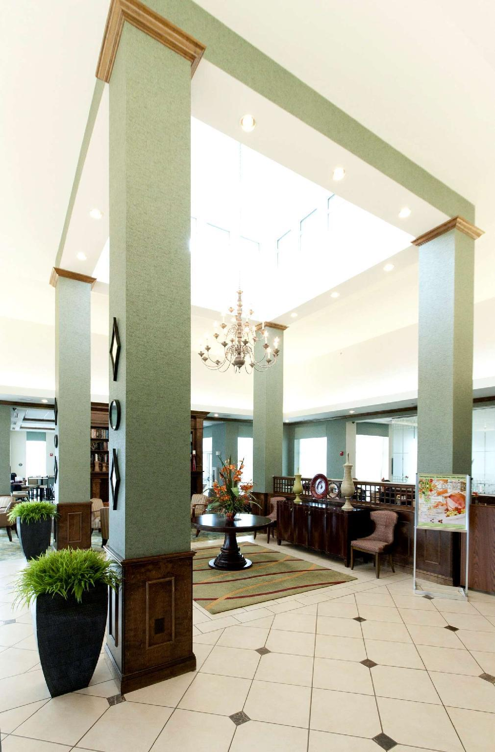 Great Lobby Hilton Garden Inn Valdosta