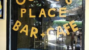 OGGIE'S PLACE BAR N CAFE