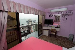 Man Lai Wah Hotel - Double room with sea view balcony B3