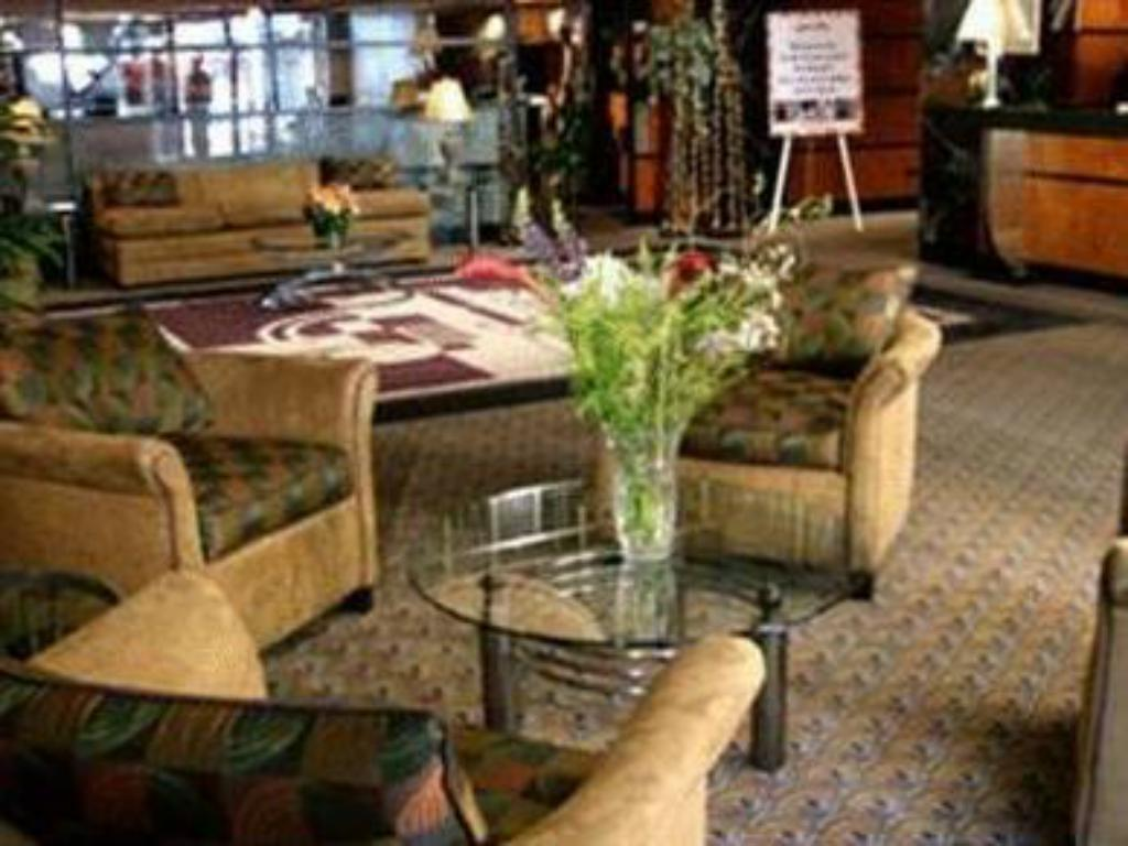 Lobby Inn at Great Neck