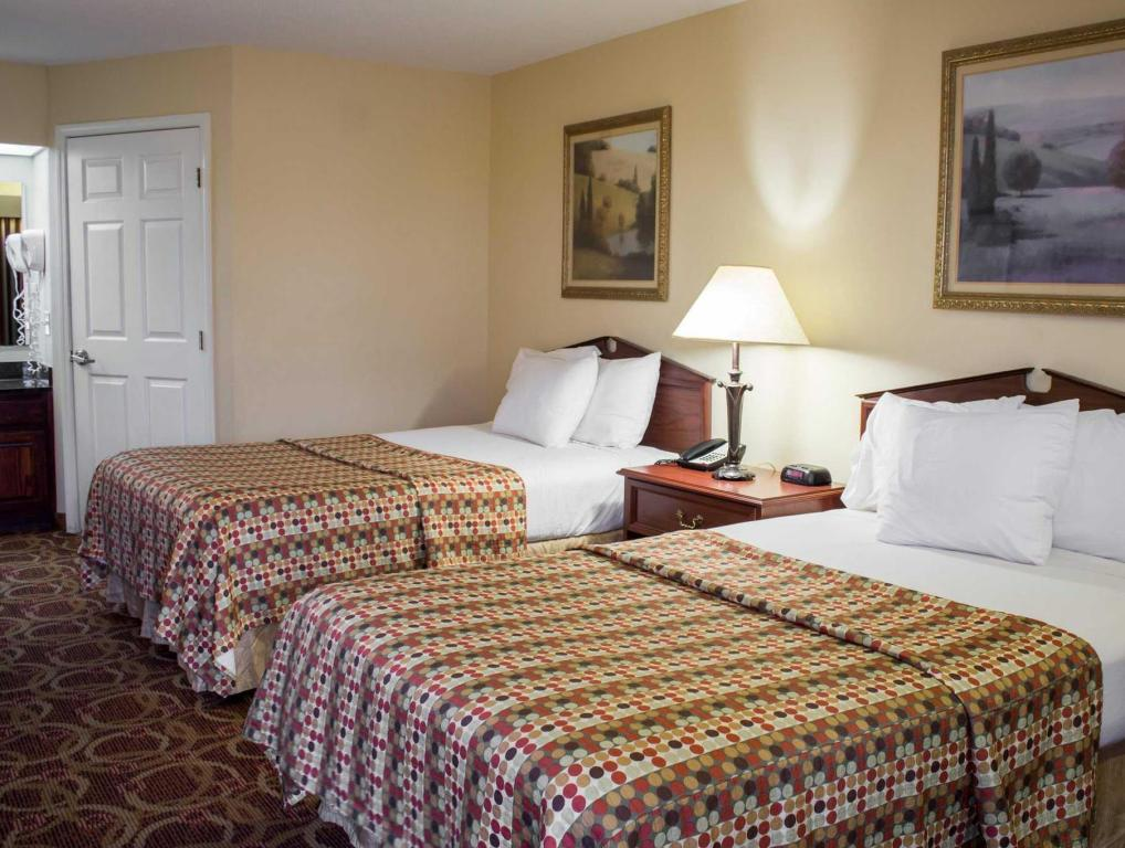 See all 31 photos Econo Lodge Greenville