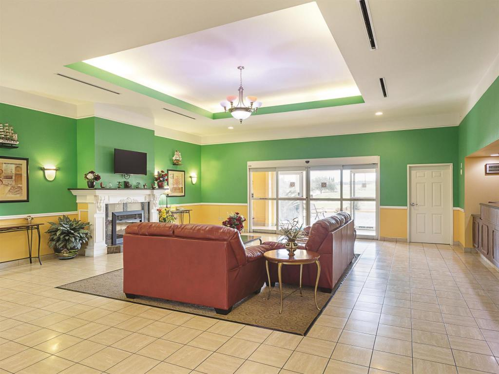 Interior view La Quinta Inn & Suites Brenham