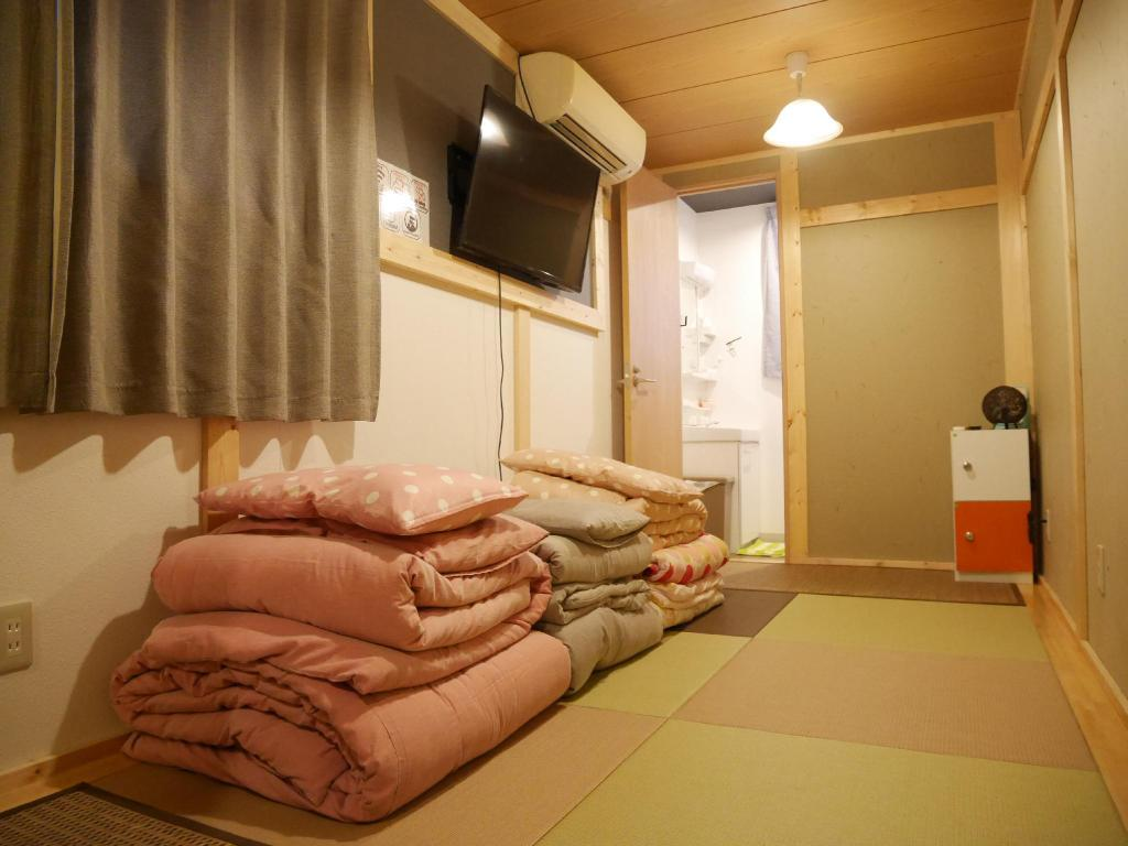 Japanese Family Room - Guestroom