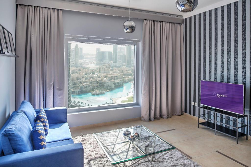 Guestroom Dream Inn - 48 Burj Gate 2BR Apartment