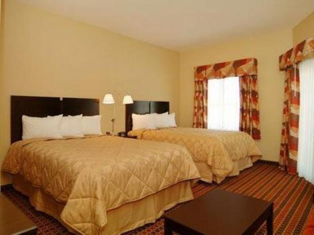 Guestroom MainStay Suites Rogers near I-49