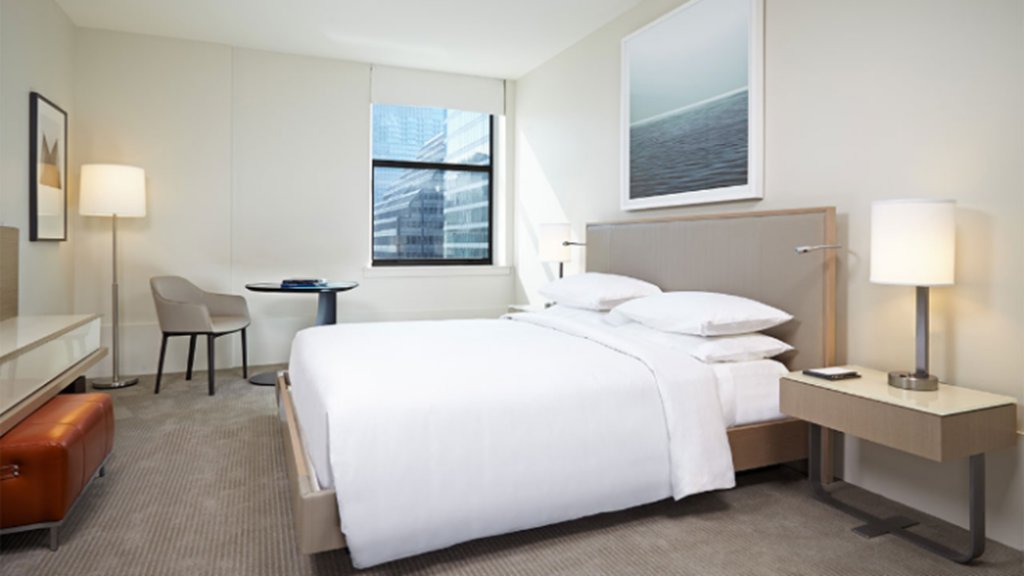 1 King Bed - Guestroom Hyatt Centric The Loop Chicago