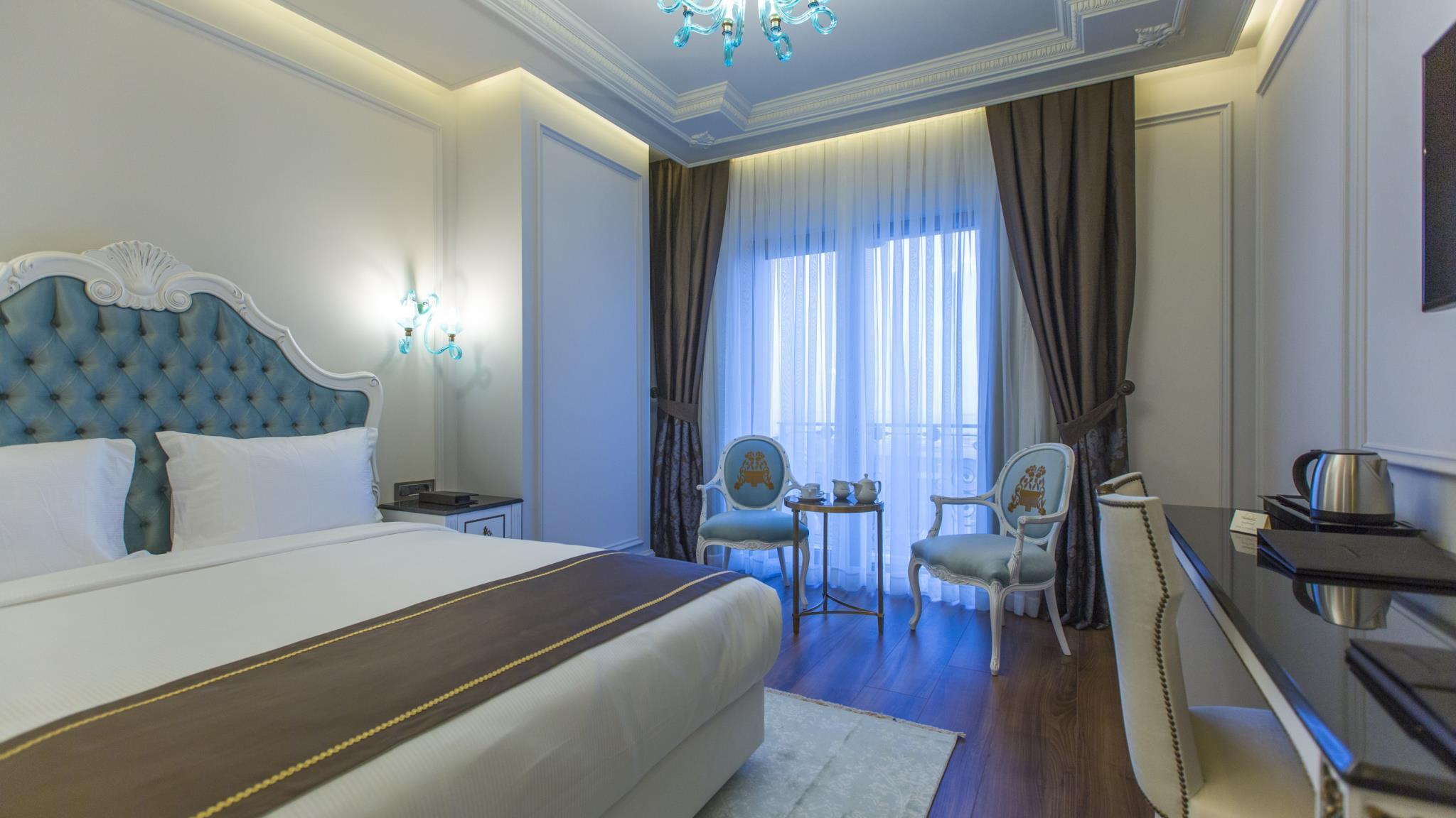Deluxe King Sea View Room